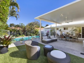 View profile: Family retreat in the heart of Sunrise Beach